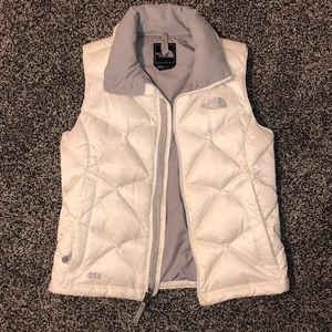 Women's north face white puffer vest xsmall 550